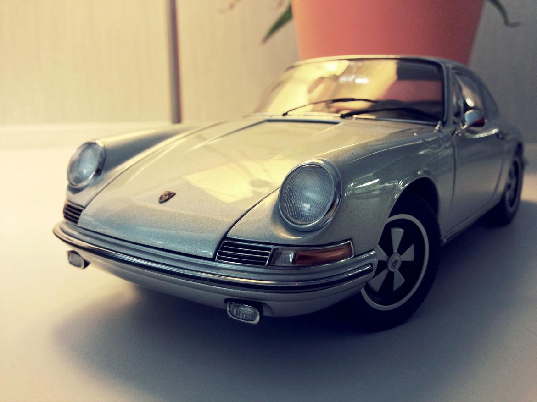 auto_art_1967_911s_front.jpg